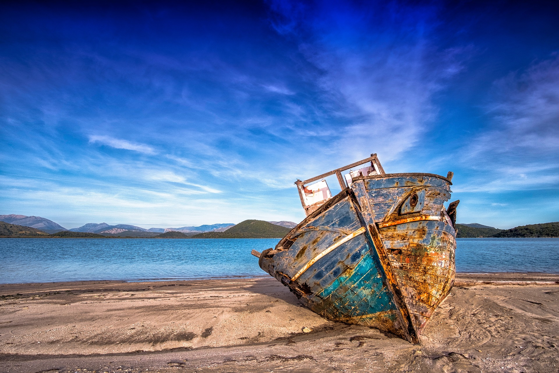 Certains bateaux s'échouent, tombent en ruine, faute de capitaine à bord !