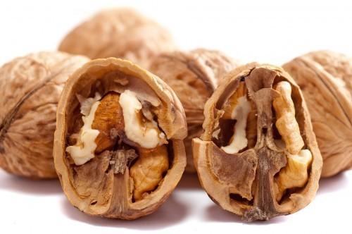 Les noix sont riches en oméga 3, des graisses utiles pour un bon fonctionnement cérébral
