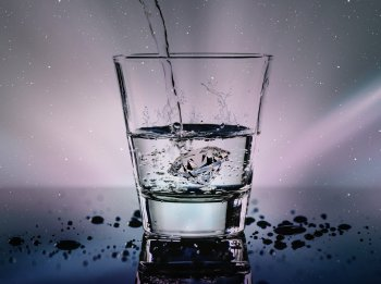 Pensez à vous réhydrater avec de l'eau seule, de préférence tiédie.