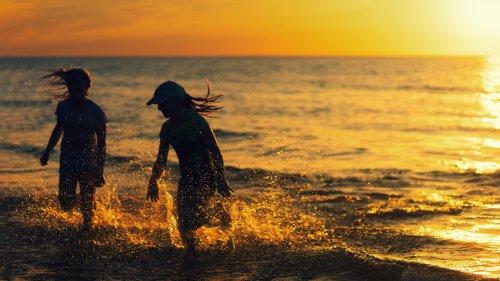 Marcher ou courir dans l'eau de mer permet de se ressourcer