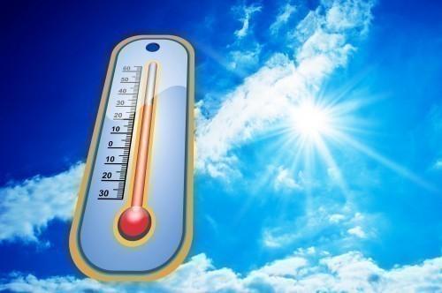 La transpiration peut vite devenir gênante ! Heureusement il existe des moyens naturels pour atténuer ses effets.